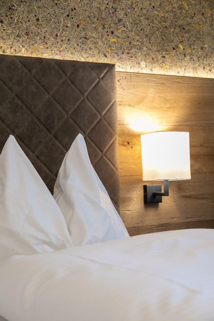 Bett Heimatliebe Doppelzimmer, Zimmer